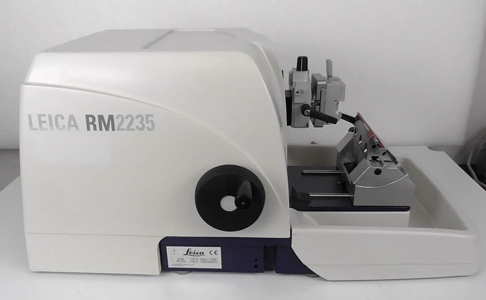 Leica RM2235 Microtome