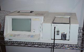 Hitachi U2000 Spectrophotometer UV VIS