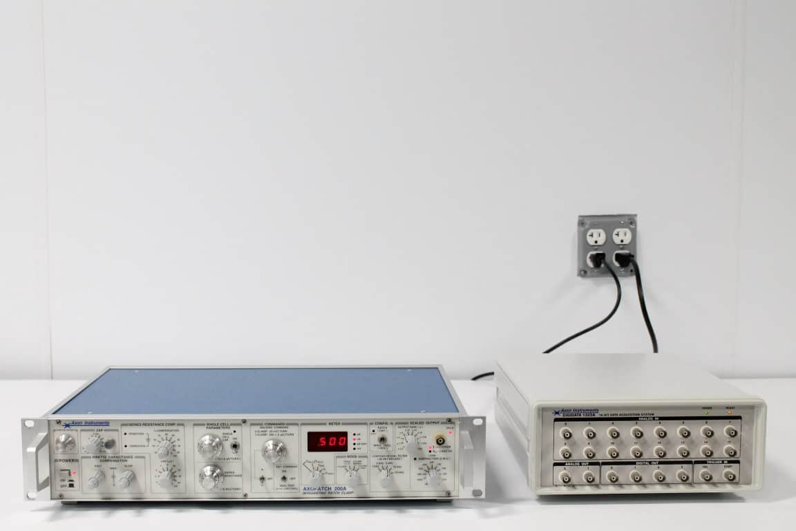 Axon Axopatch 200A Patch Clamp Amplifier w/ CV201AU
