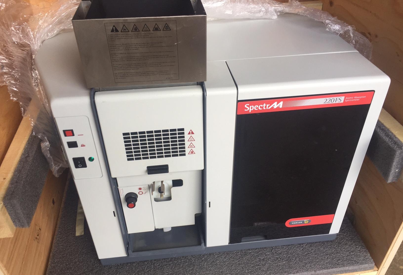 Varian SpectrAA 220FS Spectrometer Varian 220FS FLAME AA