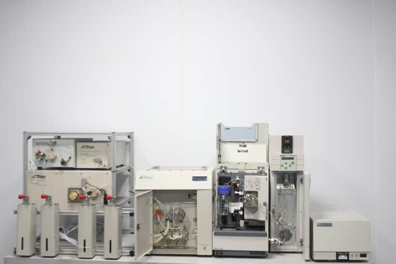 Thar SuperPure Fluid Delivery Chromatography System FDM10 ABPR-20 & Waters 2996