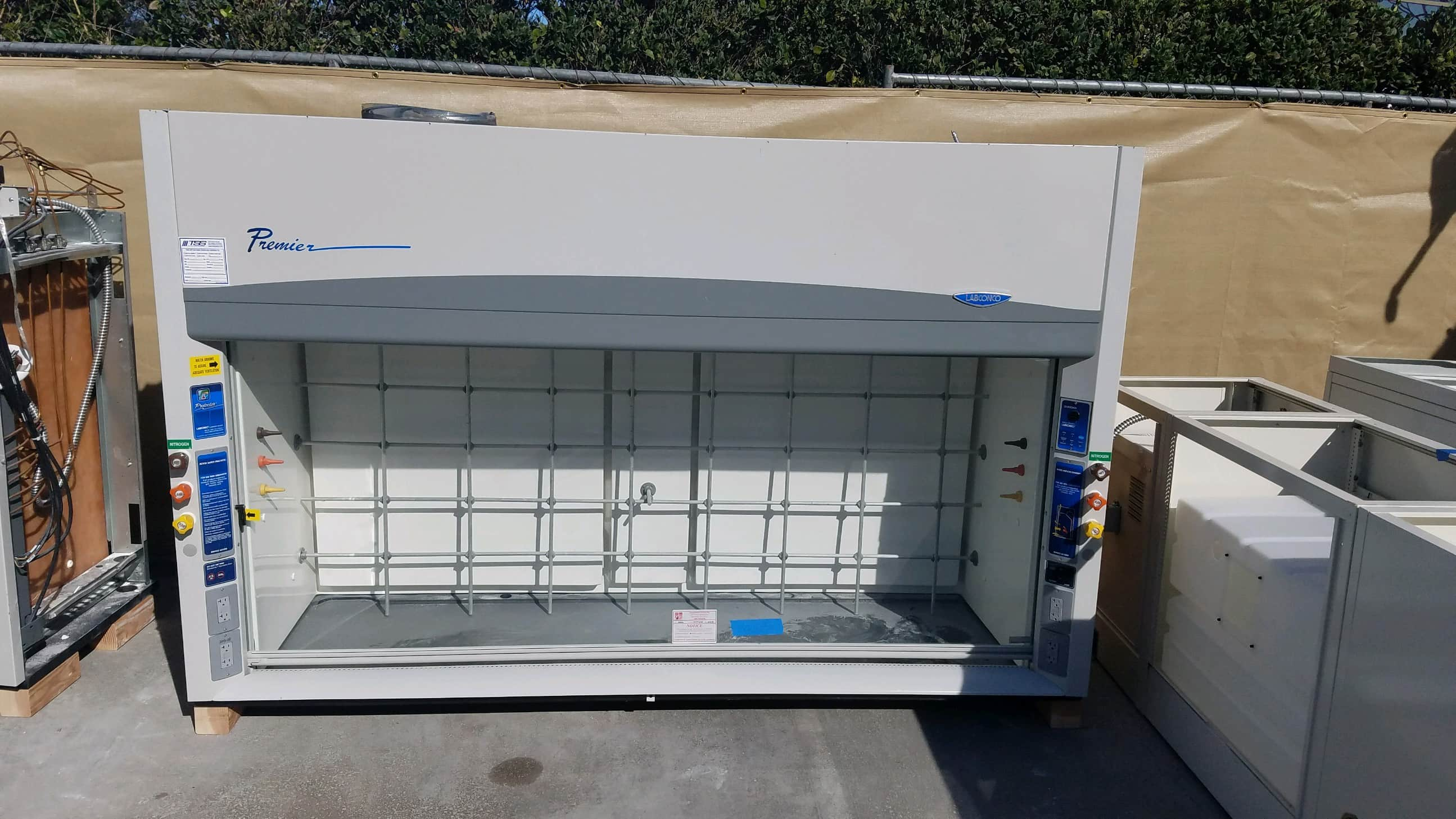 8ft LOADED LABCONCO PREMIER USED FUME HOOD W/ MATCHING CABINETS