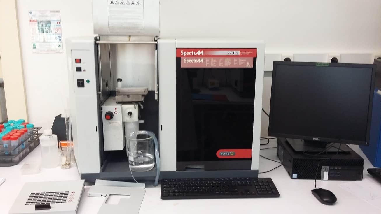 Atomic Absorption Spectrometer flame VARIAN SpectrAA 220FS
