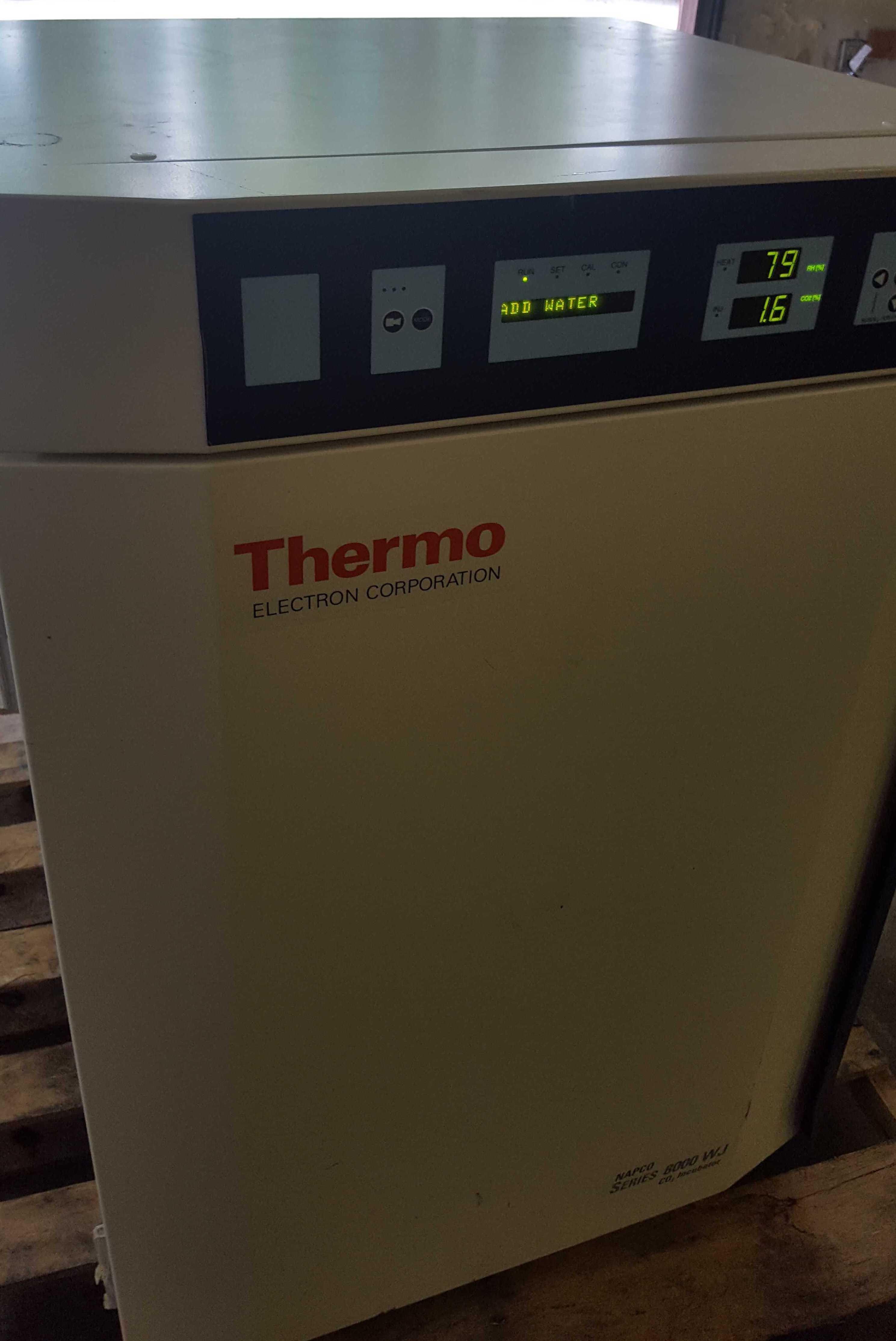 Thermo Fisher Scientific Series 8000 WJ CO2 Incubator 3587
