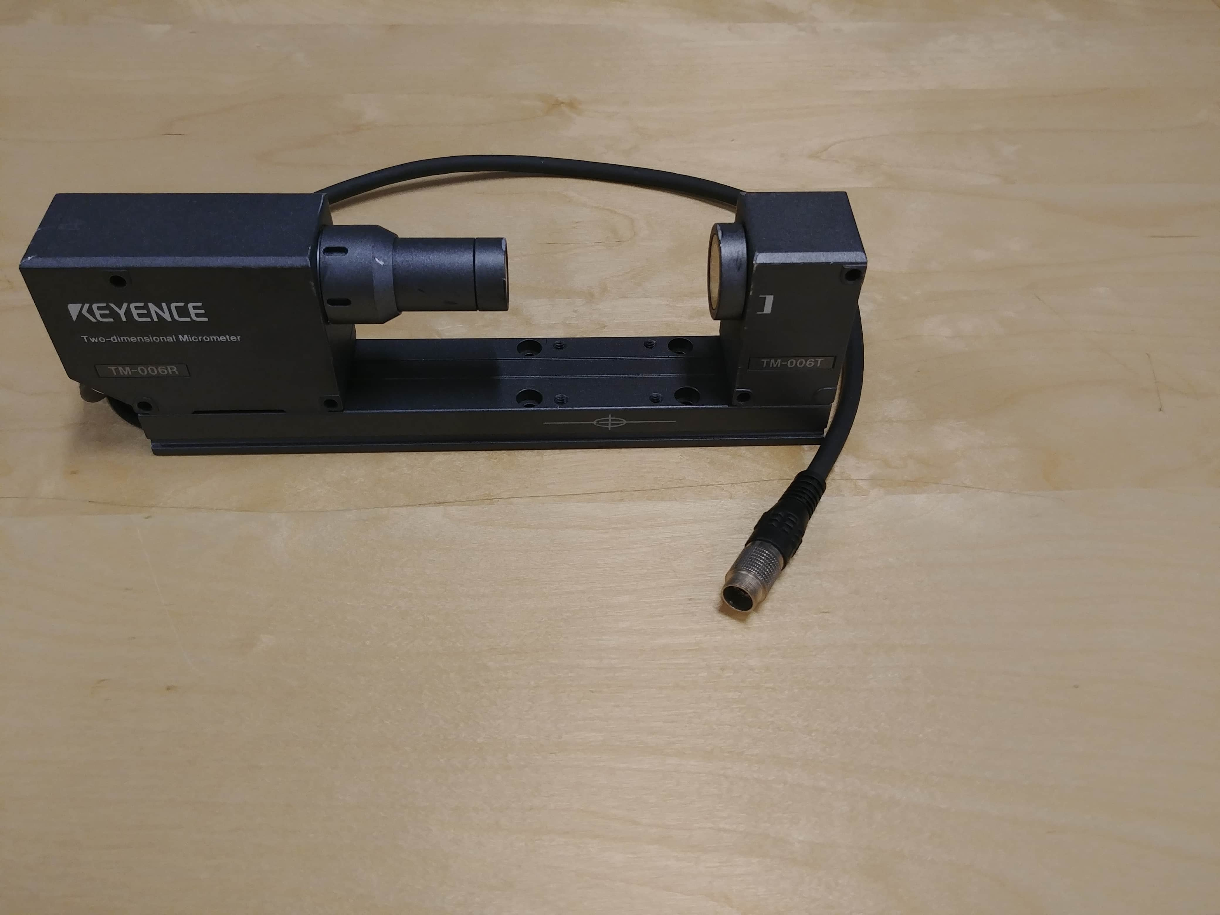 Keyence TM-006 Two dimensional Micrometer