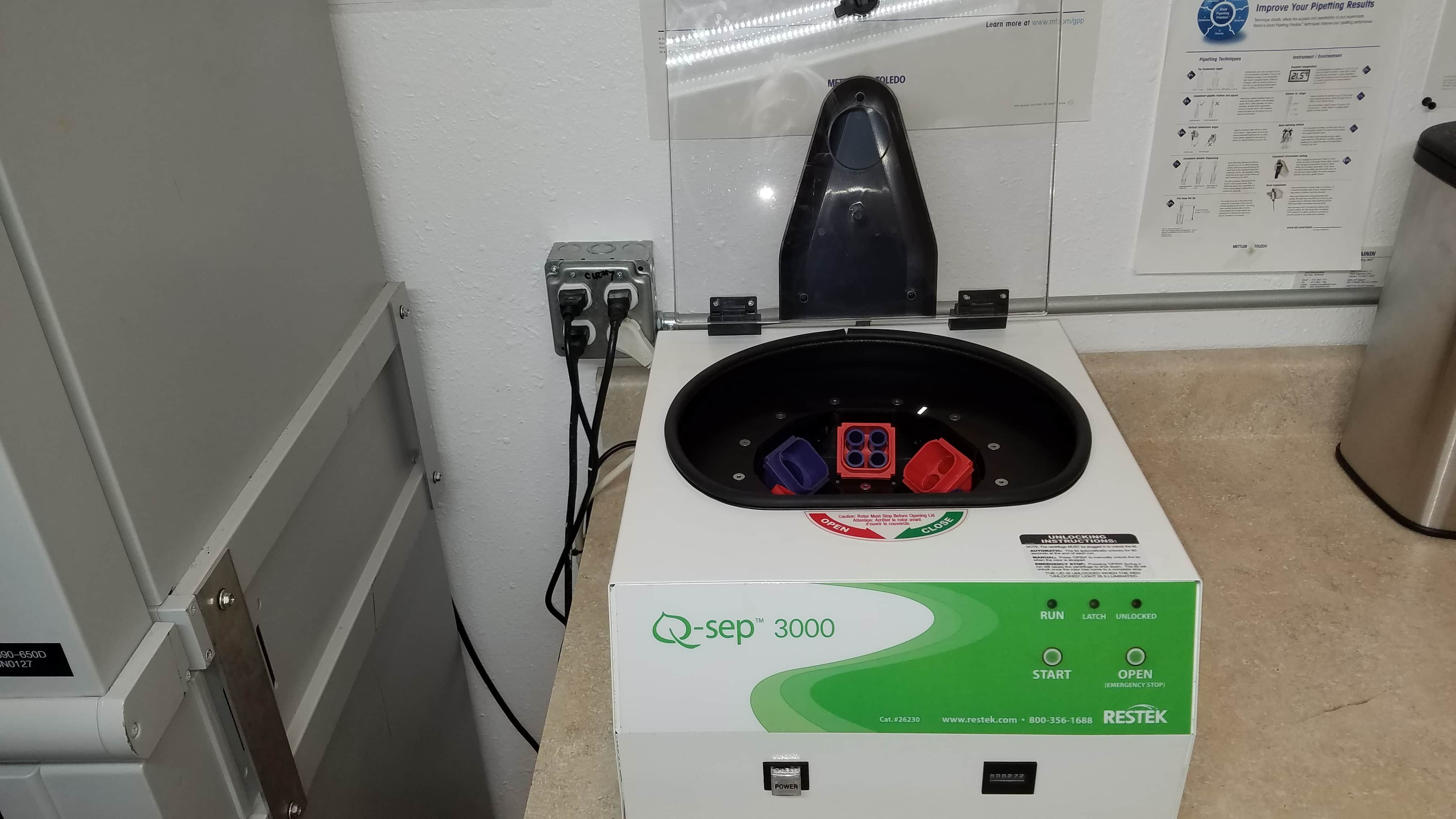 Q-Sep 3000 Benchtop Centrifuge Nearly New