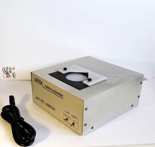 Artek light Box model 890 for sale