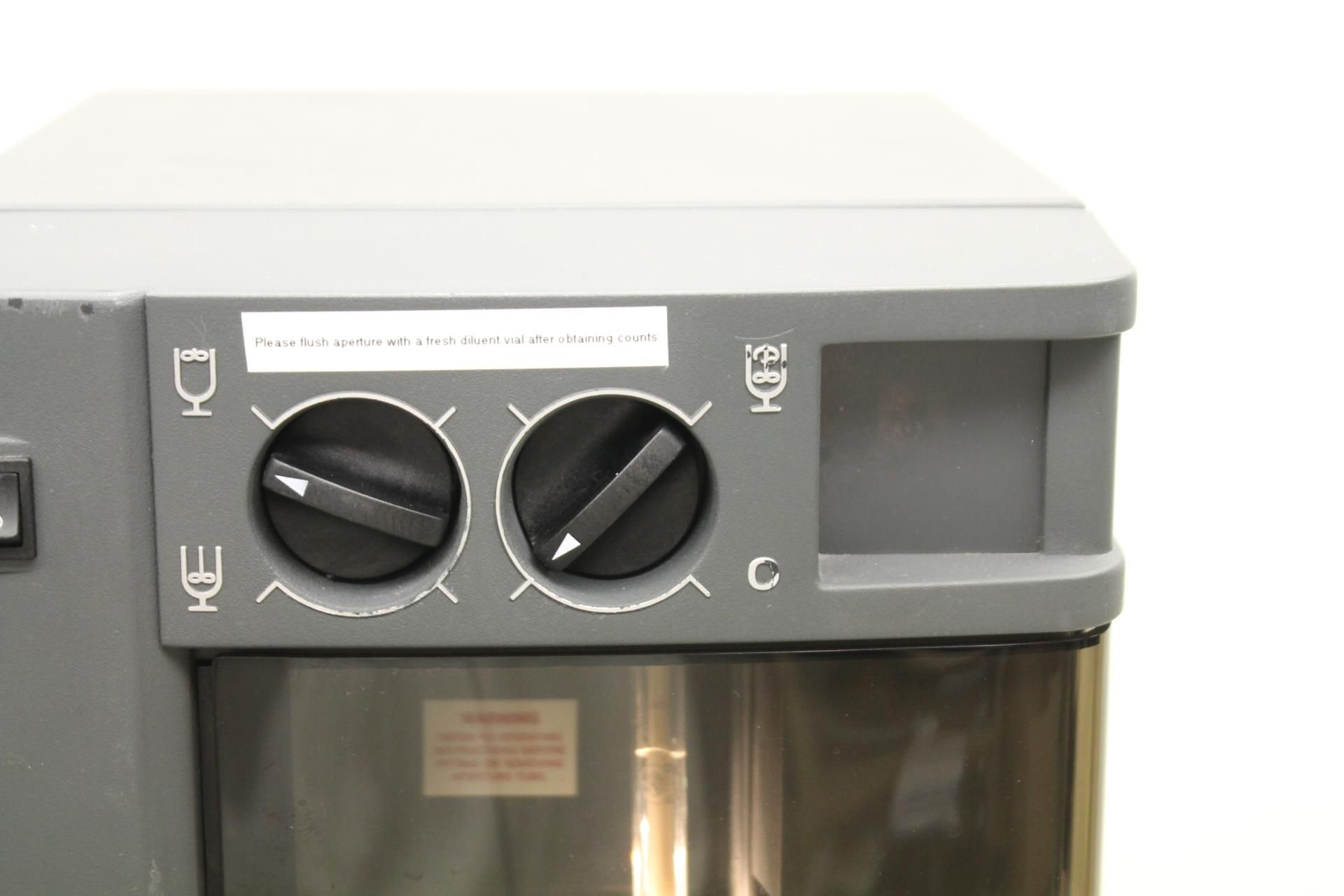 Beckman Coulter Z1 Single Threshold Cell Particle Counter (For Parts)