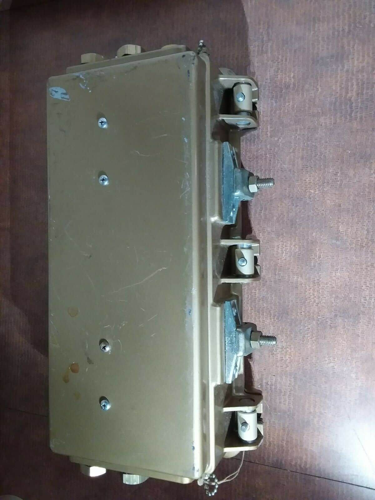 VIKOA Futura by Viking 12 High RF CATV Bridging Distribution Amplifier 50-220mc