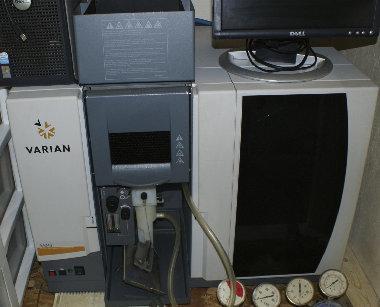 Varian AA240 FLAME AA Varian ATOMIC ABSORPTION Varian AA