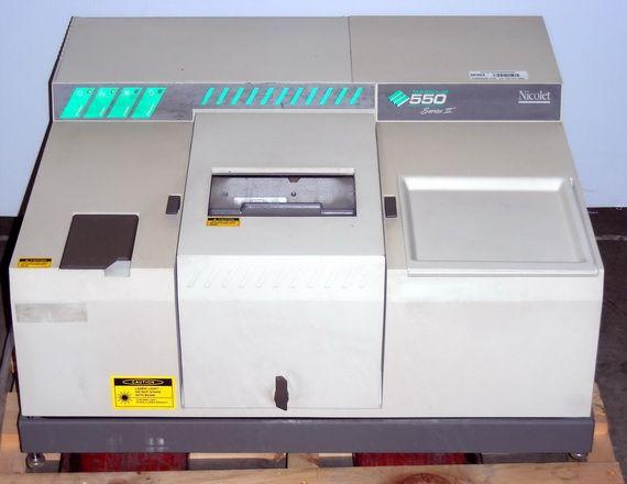 Nicolet Magna 550 Series II FTIR Spectrophotometer