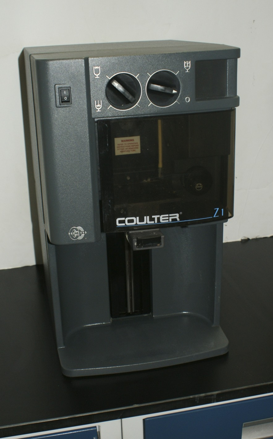 Beckman Coulter Z1 Beckman Z1 Cell Counter used refurbished and checked out when shipped