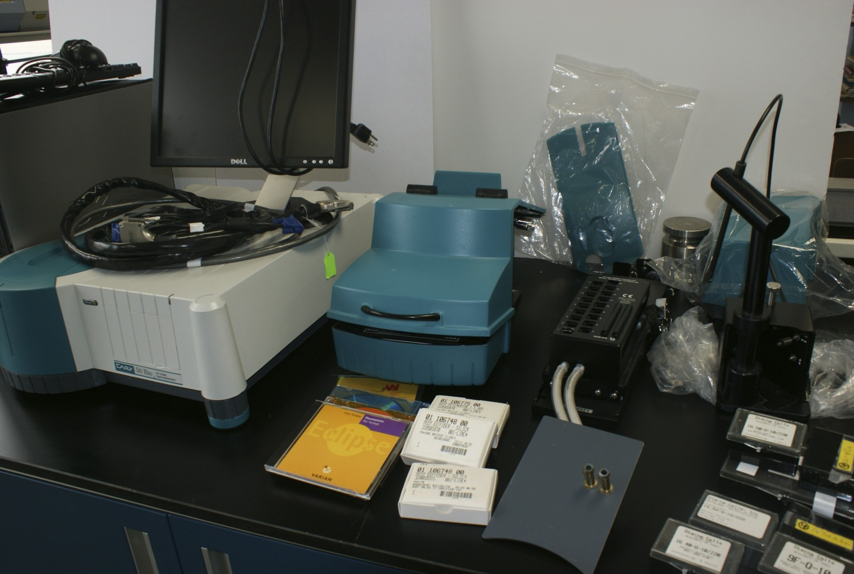Varian CARY 50 BIO UV-VISABLE SPECTROPHOTOMETER Varian 50 used with many many options dip probe acce
