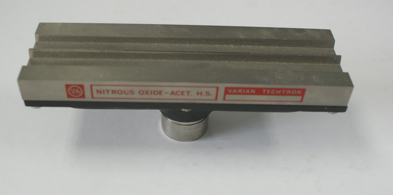 Varian Nitrous Oxide - ACET. H.S. Varian Techtron AA Flame Head Varian Fame Head for AA used very ni
