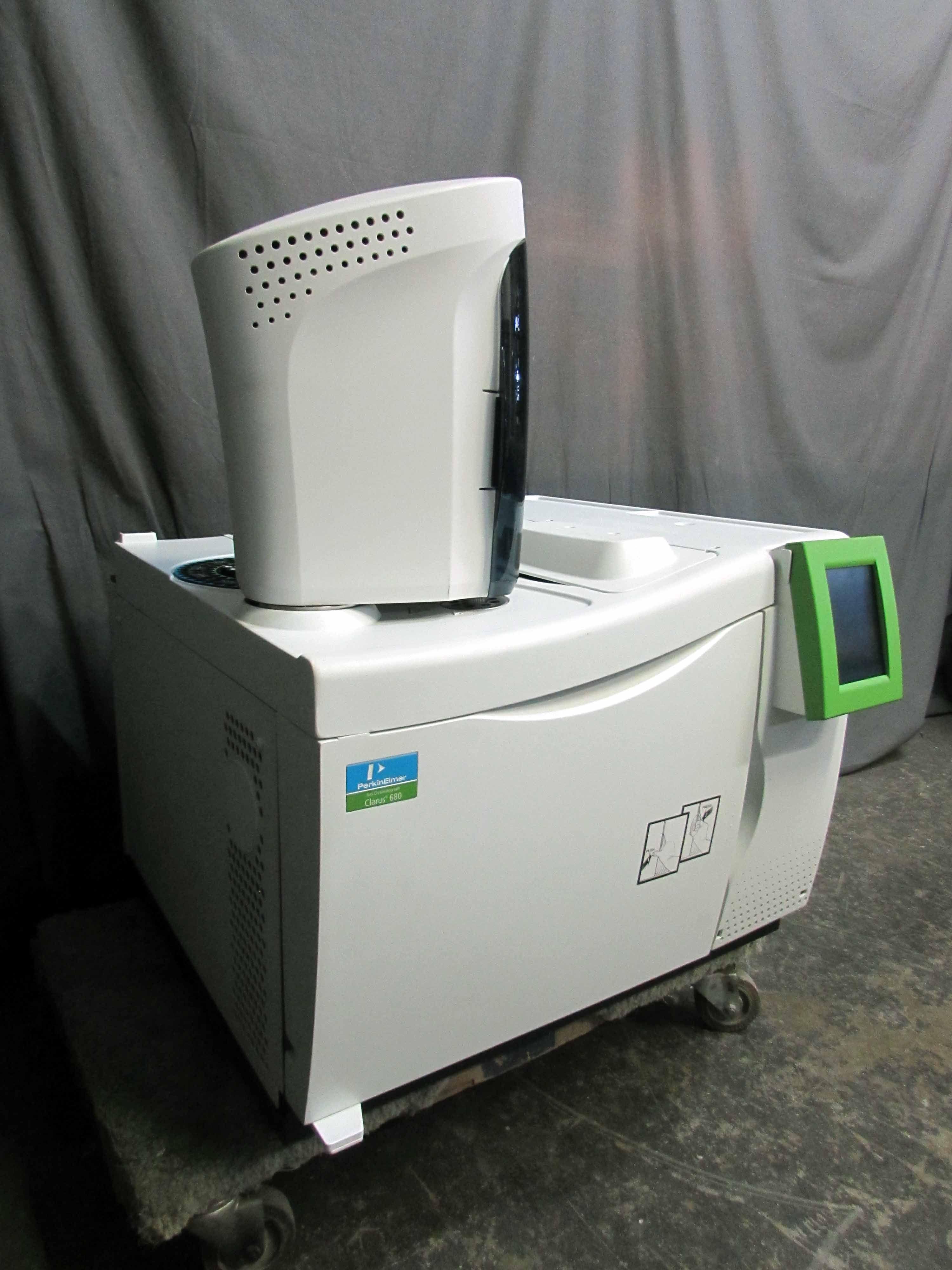 2018 Perkin Elmer Clarus 680 GC Gas Chromatograph with SW & Accessories