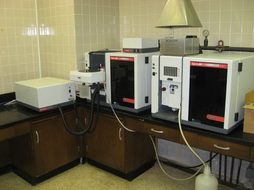 Varian 220FS Varian 220-FS Flame AA with Varian 220-Z Furnace AA with Varian VGA-77 Analyzer complet