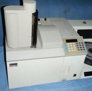 PERKIN ELMER AutoSytem with HS-40XL Head Space Sampler Gas Chromatograph