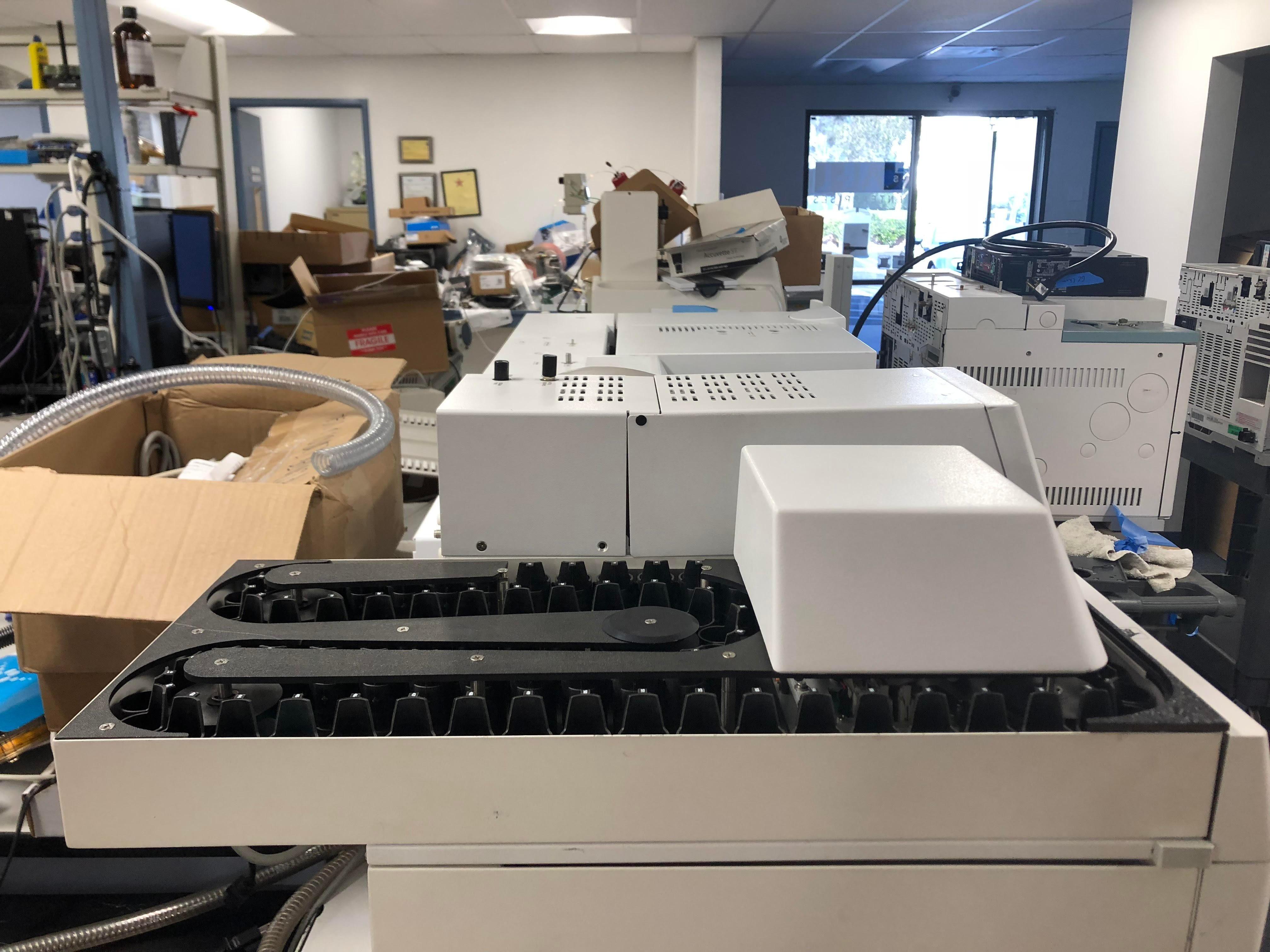 Agilent - 5975C inert XL MSD Triple Axis Detector -7890A GC System-G1888 N/H SAMPLER