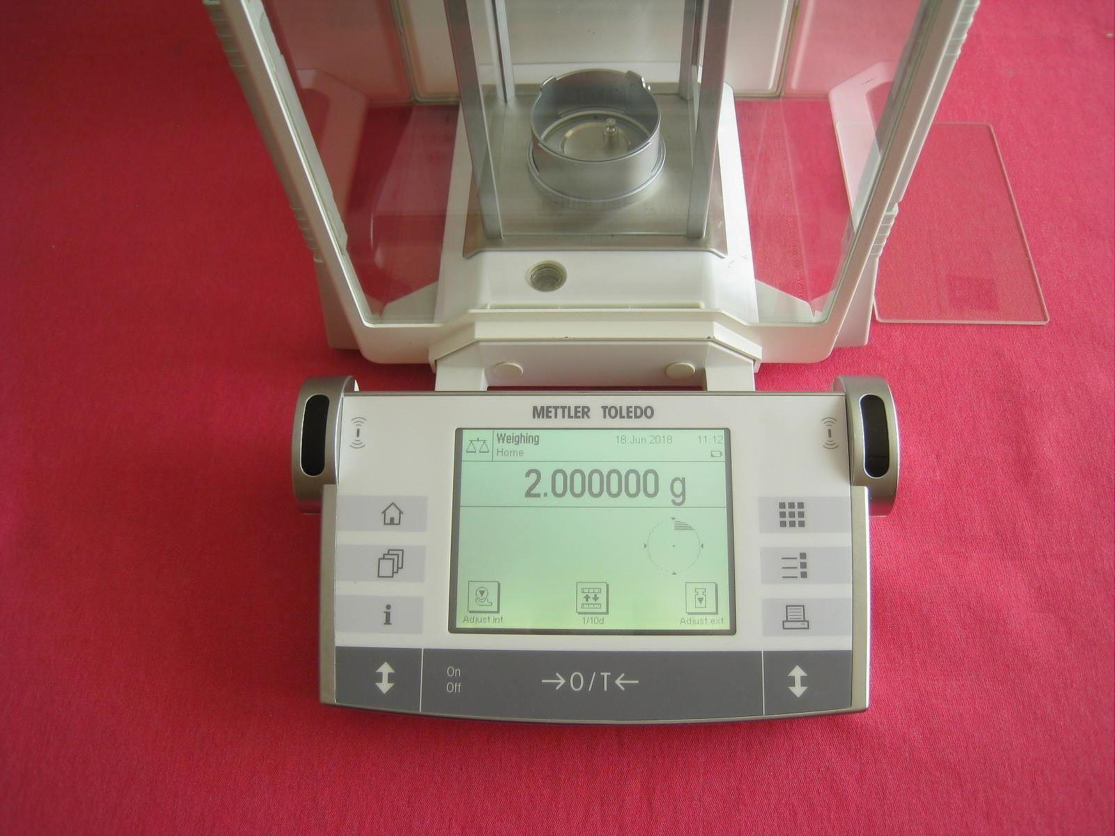 Mettler Toledo AX26 Microbalance 3.000000g / 21.00000g