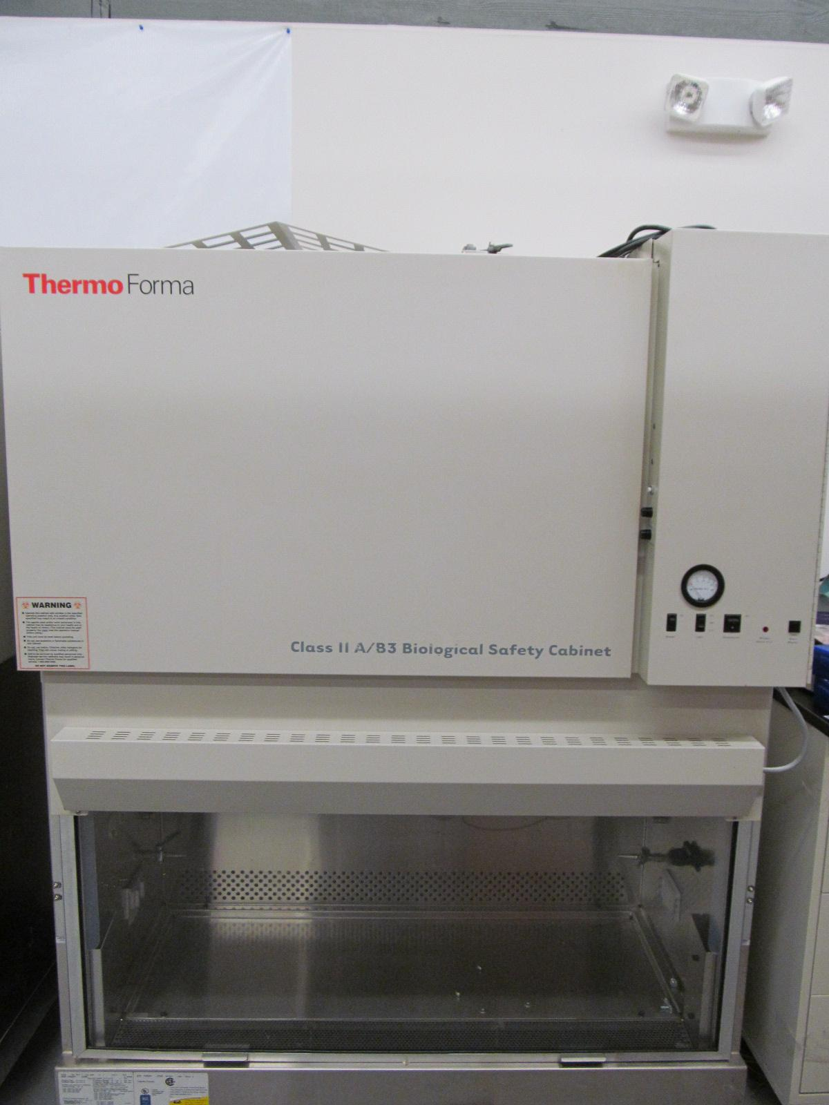 Thermo Forma 1284 4-Foot A2 Biosafety Cabinet