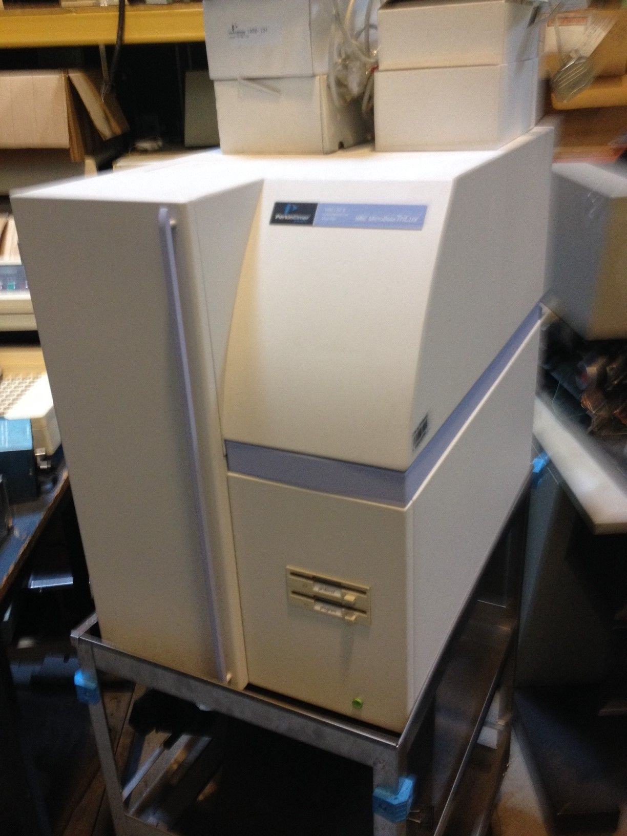 Perkin Elmer Wallac Microbeta Trilux 1450-028 Microplate Scintillation and Luminescence Analyzer