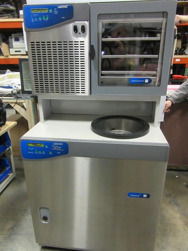Labconco Freezone 6L Console Freeze Dryer System w/ Stoppering Tray Dryer