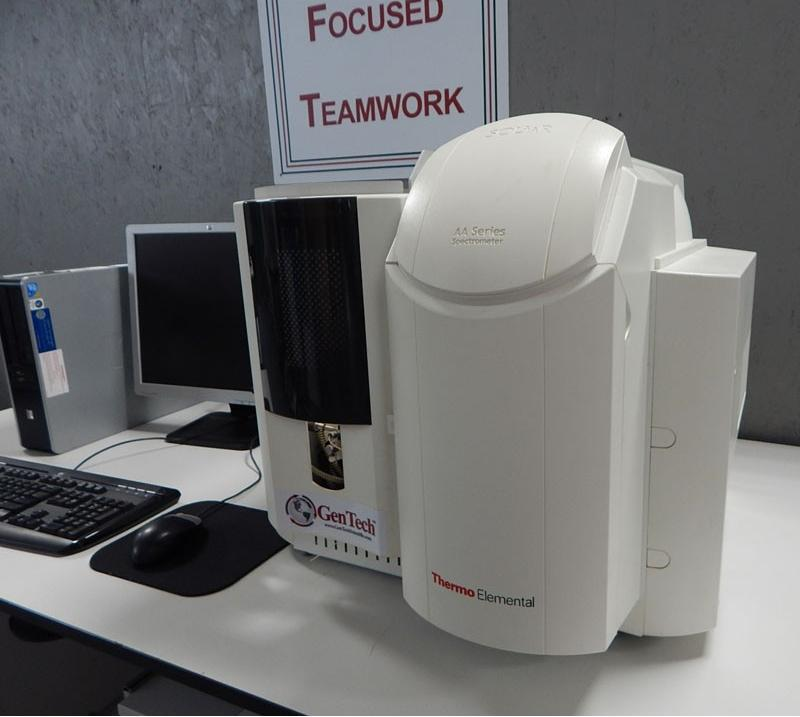 Thermo Elemental SOLAAR S2 AA Spectrophotometer