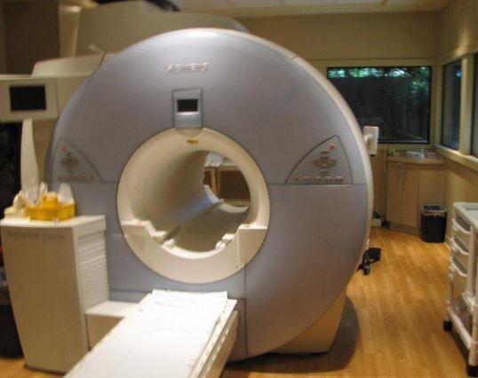 Siemens 1.5T Avanto 18 Channel MRI Scanner