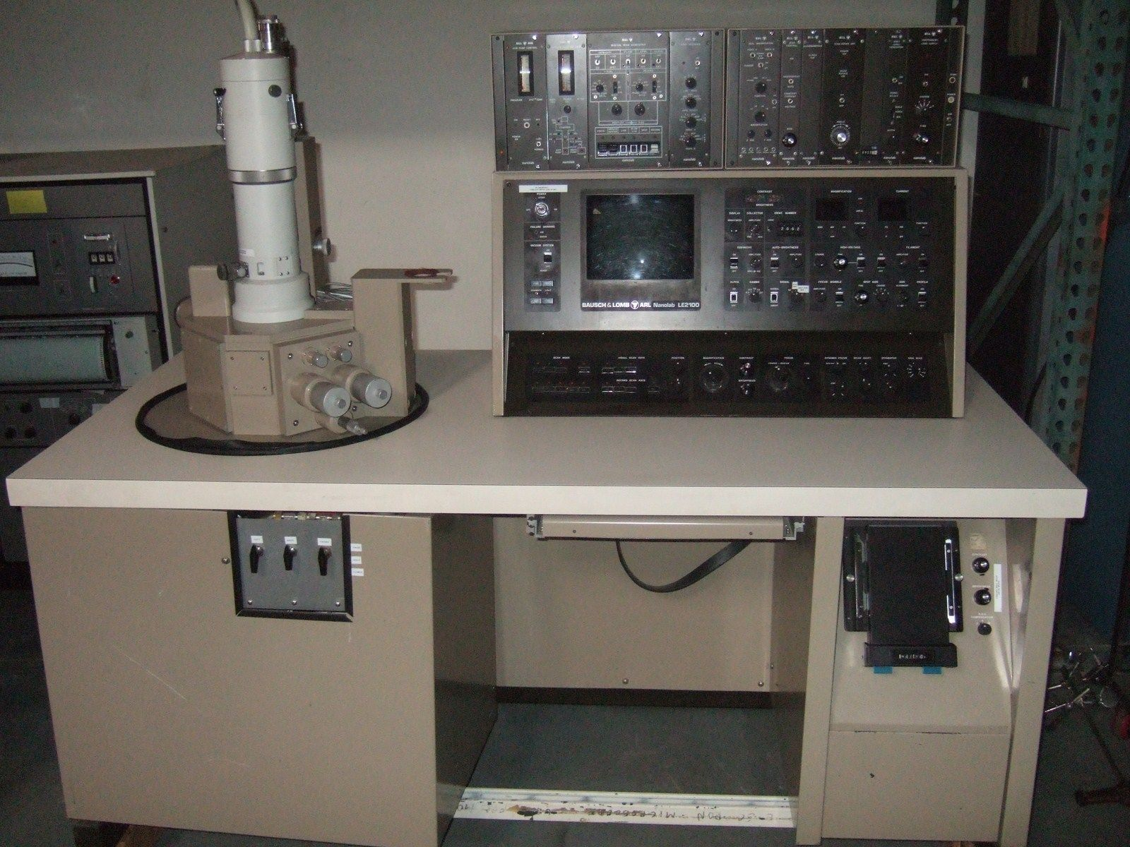 Bausch & Lomb LE 2100 Nanolab SEM Scanning Electron Microscope