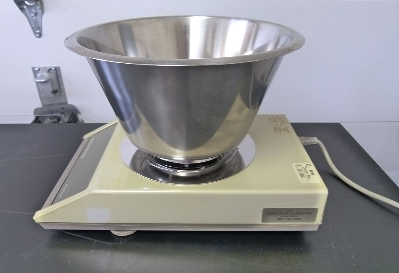 ~ Mettler PM4600 DeltaRange Balance with Stainless Steel Rodent Pan