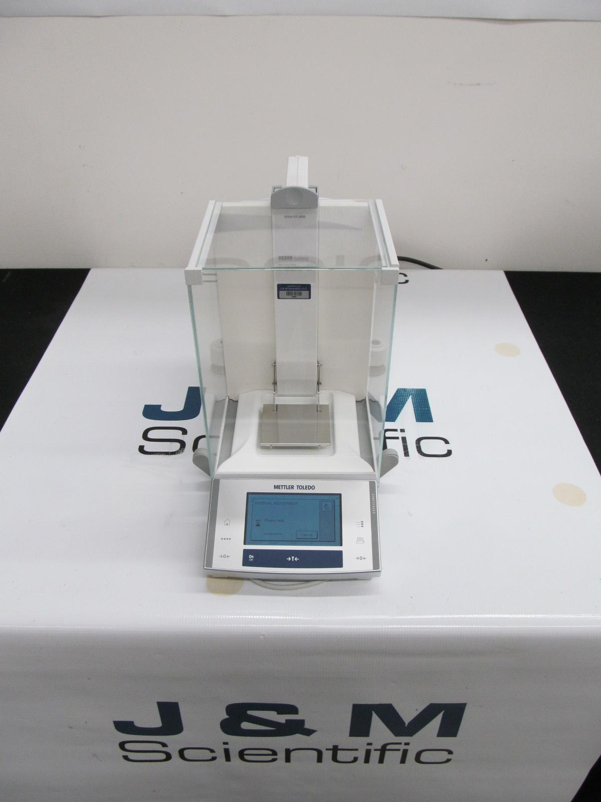 Mettler AX205DR Analytical Balance