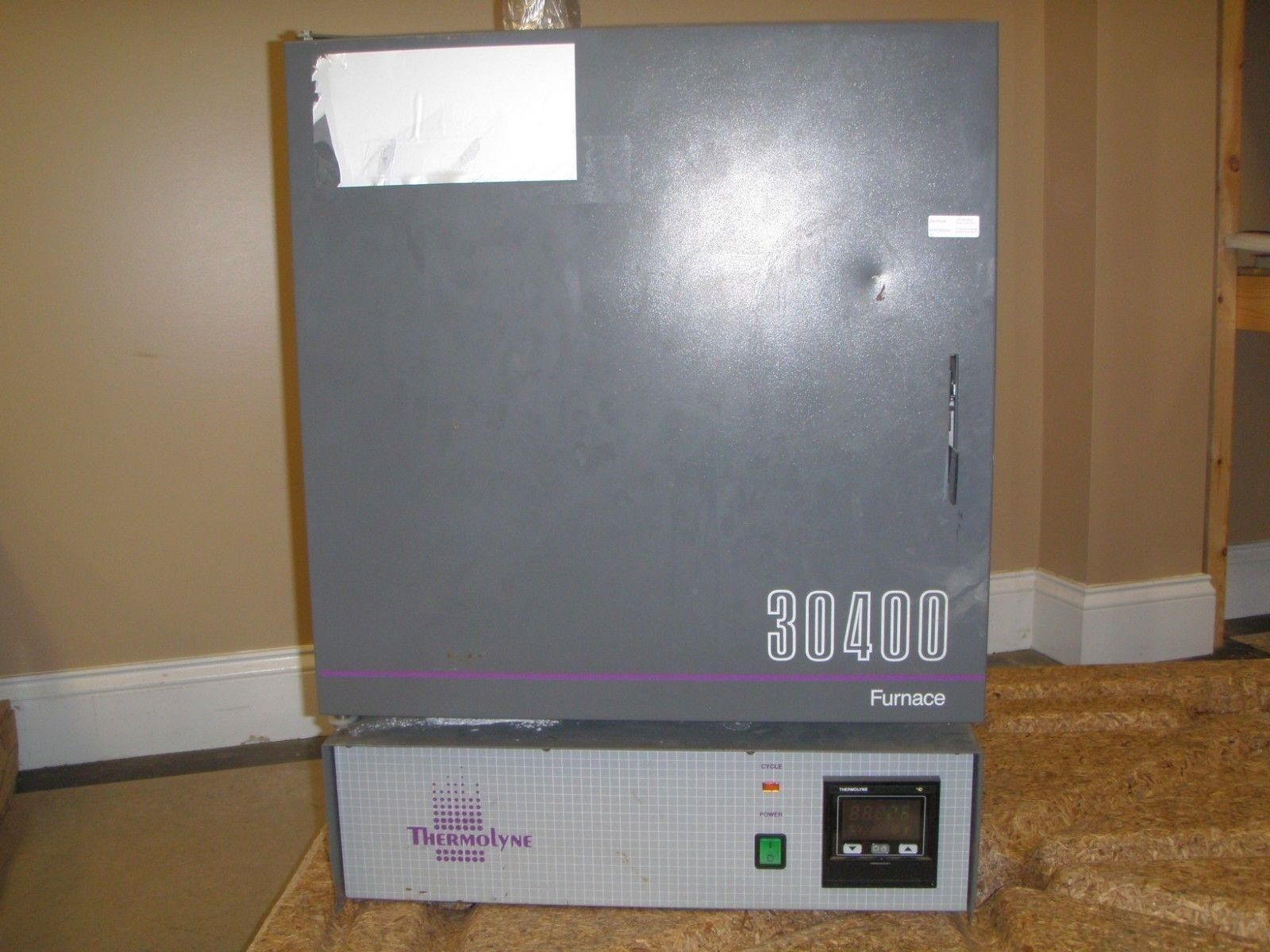 Thermolyne Furnace Model 30400