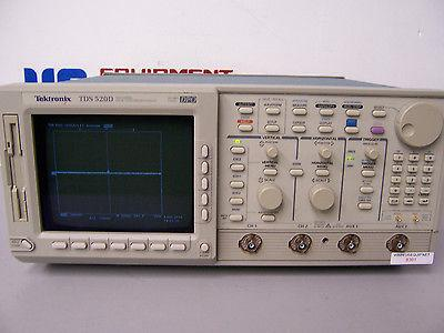 8391 TEKTRONIX TDS520D 2 CHANNEL DIGITAL PHOSPHOR OSCILLOSCOPE 500 MHZ 2GS/S DPO