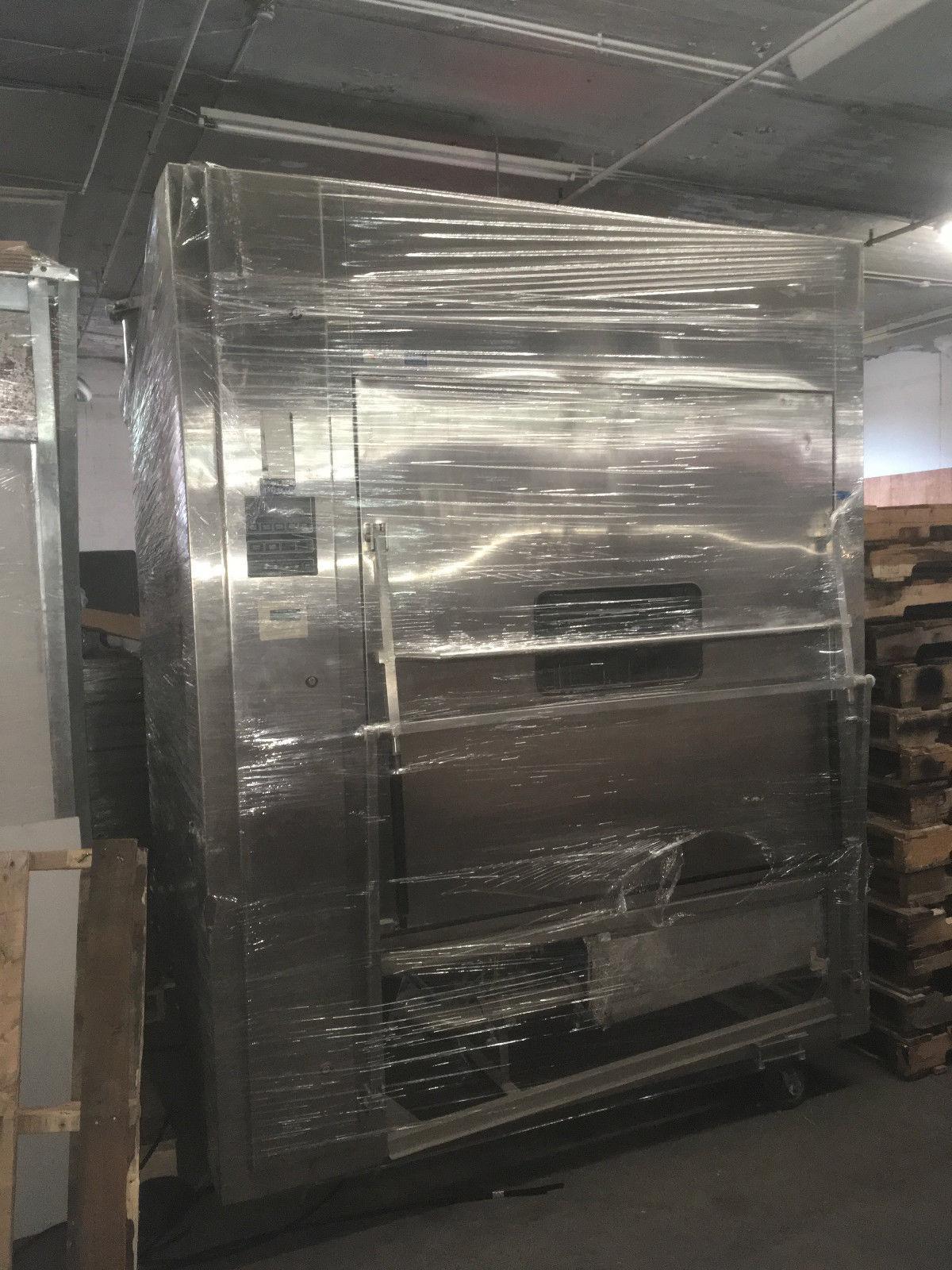 AMSCO Reliance Series 680 Glassware Washer for Laboratory