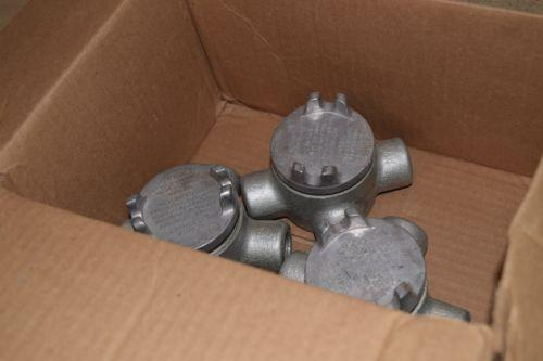 ^^ CROUSE HINDS CONDUIT BODIES ALUMINUM 1/2 OUAX 14 - LOT OF 3 (E20)