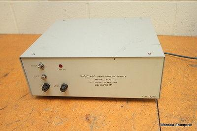 E LEITZ SHORT ARC LAMP POWER SUPPLY MODEL 1230