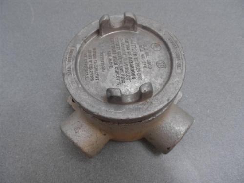 "Crouse-Hinds Condulet Box ""3/4 EABL EAJ- 26, 1"" EABL EAJ- 36  W / Cover"