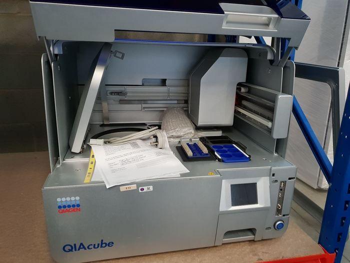 Qiagen QIAcube DNA/RNA Purification Workstation