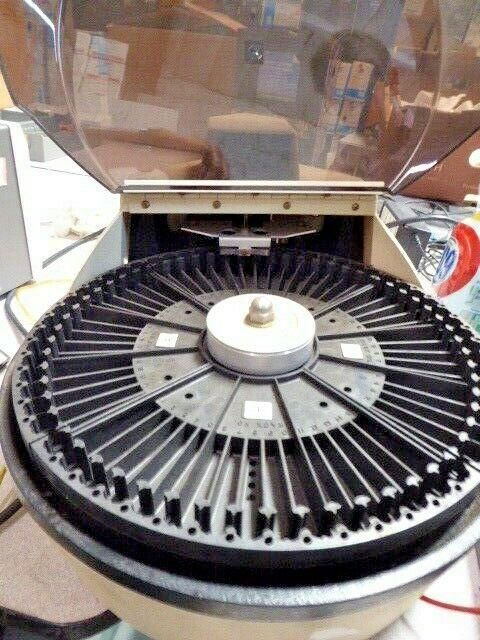 VARIAN AEROGRAPH MODEL 8035 AUTO SAMPLER GOOD CONDITION 14308/KR