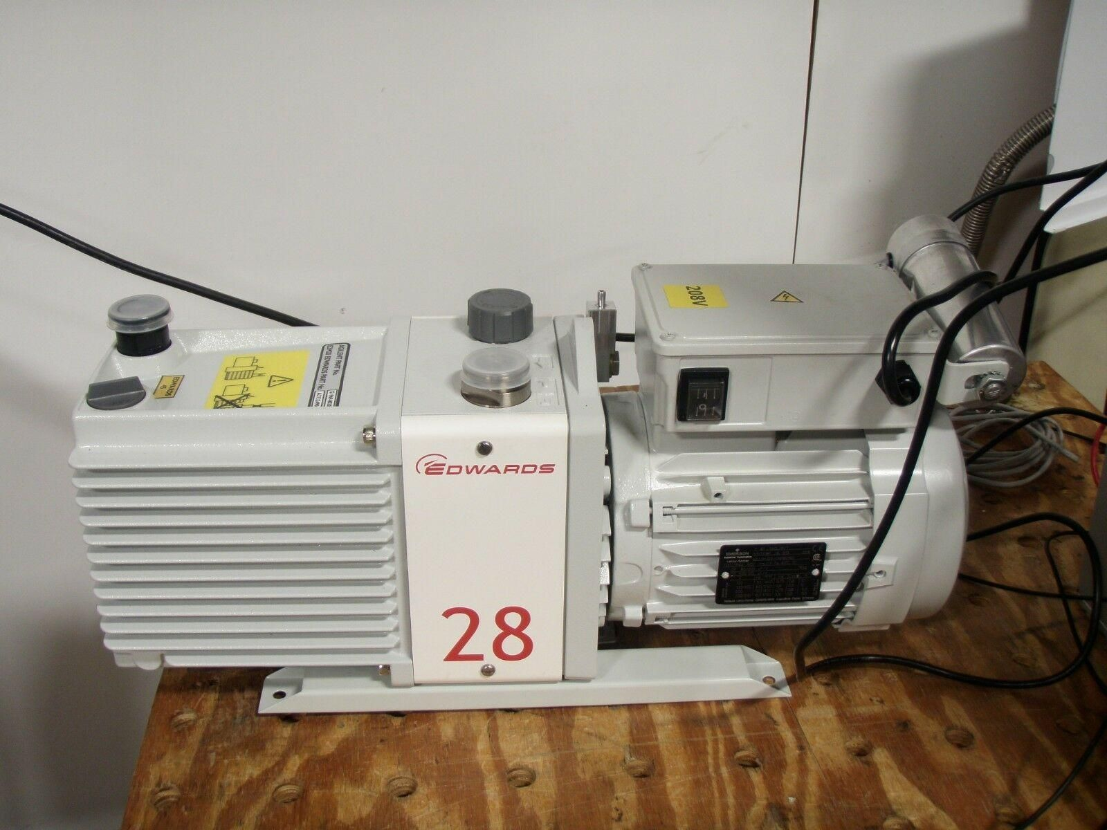 Agilent  6210 Time-of-Flight LC/MS System w/ Pump and Software
