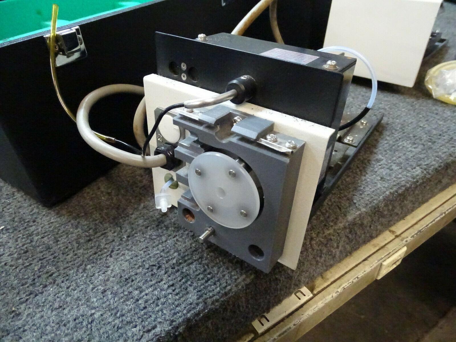Shimadzu UV2450 Spectrophotometer Sipper Unit 160L & Sample Unit in Cases