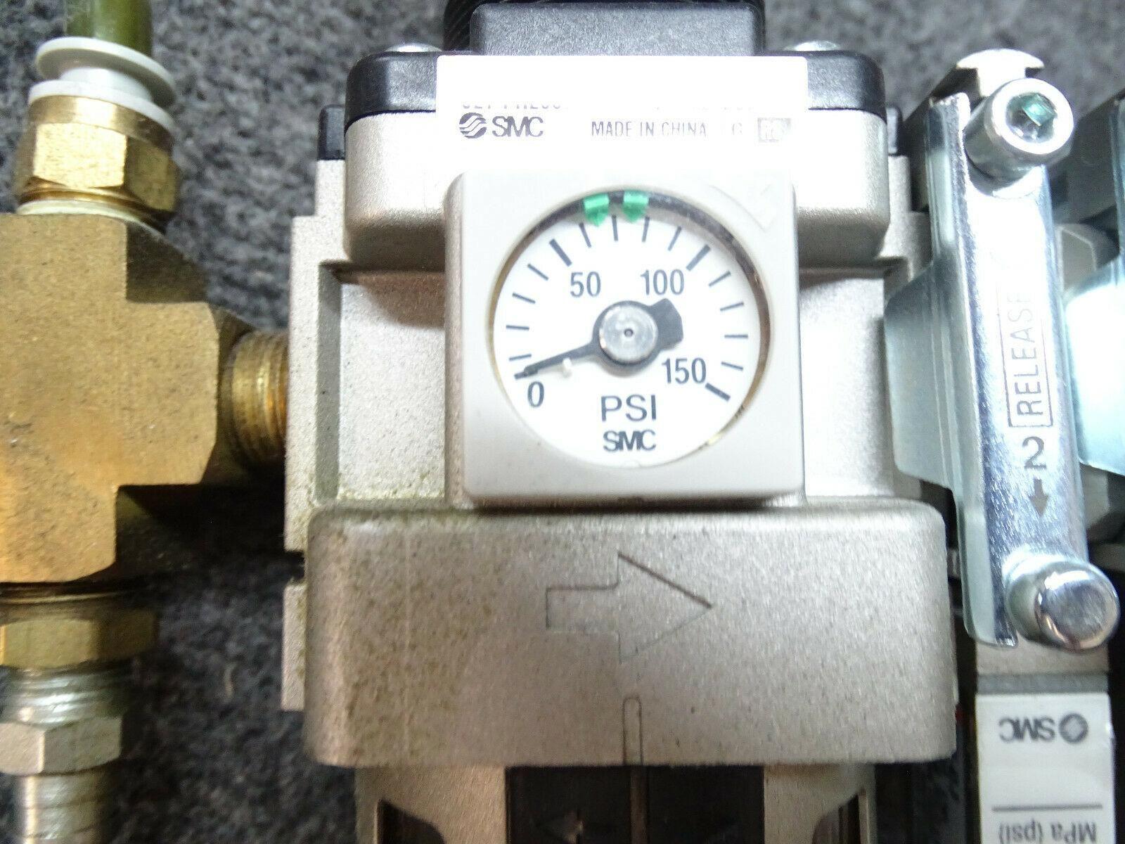 SMC AW40-N03E-Z Filter Regulator & SMC AWM40-N03-Z Mist Separator Assembly