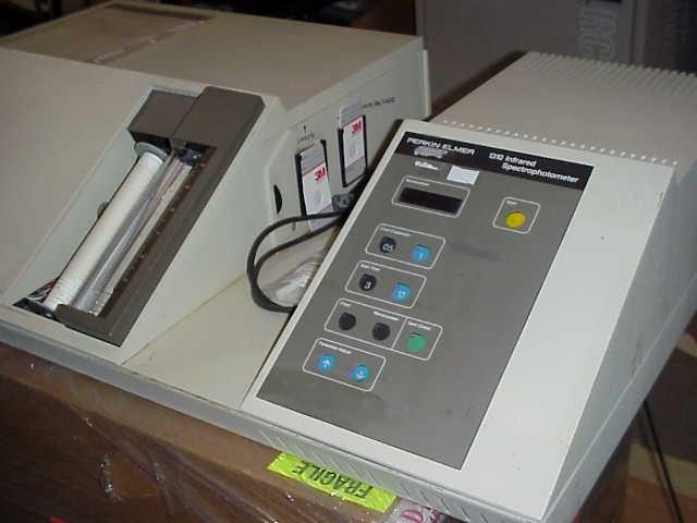 Perkin Elmer 1310 Infrared IR Spectrophotometer, Perkin Elmer 1310 Infrared IR Spectrophotometer 00