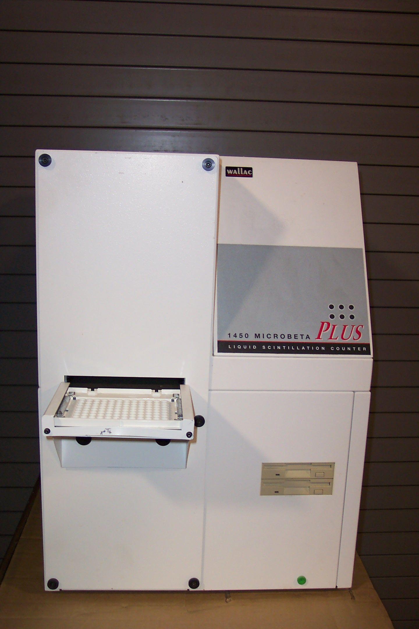 Wallac Liquid Scintillation Counter Model 1450-011