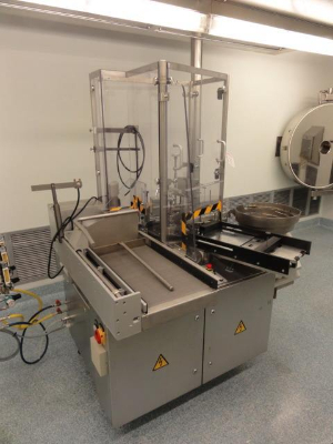 Bausch and Stroebel AFV1010 Vial and Ampoule Filling Machine