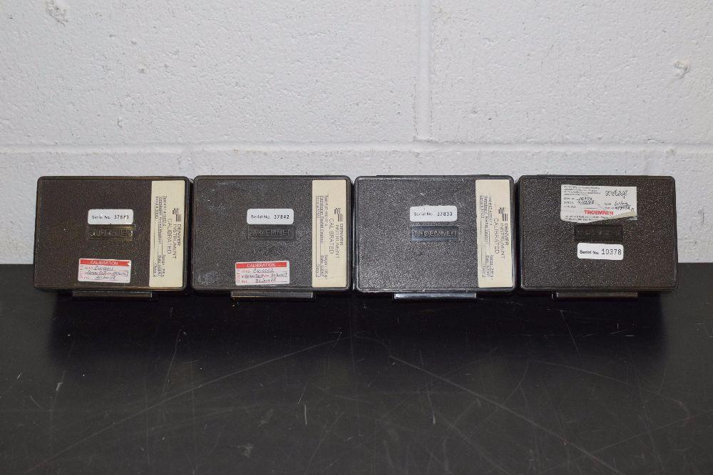 Set of Small Calibration Weights