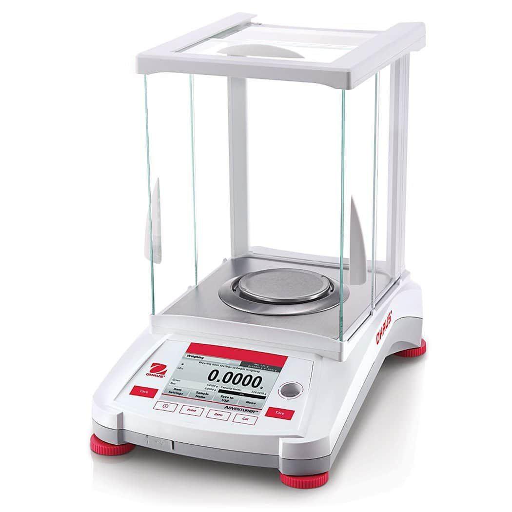 Toploading Balance (110g x 0.1mg) with internal calibration