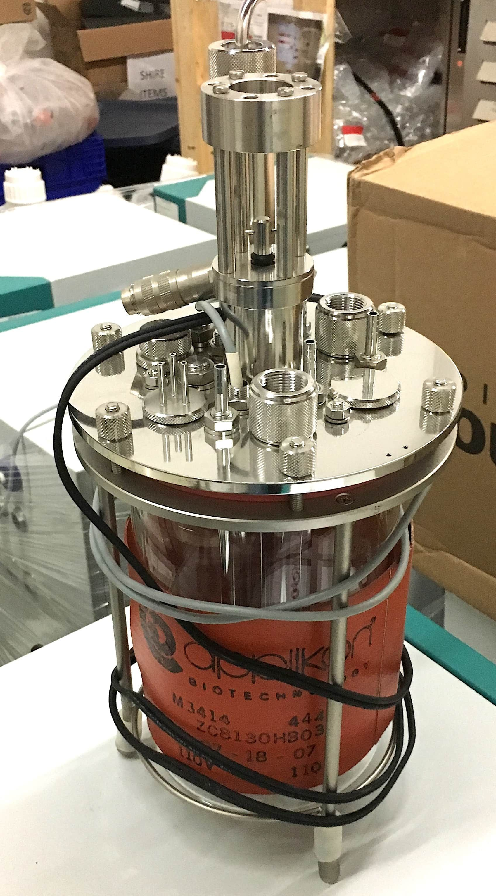 Applikon Small Bioreactor System with EZ Controller & Vessell
