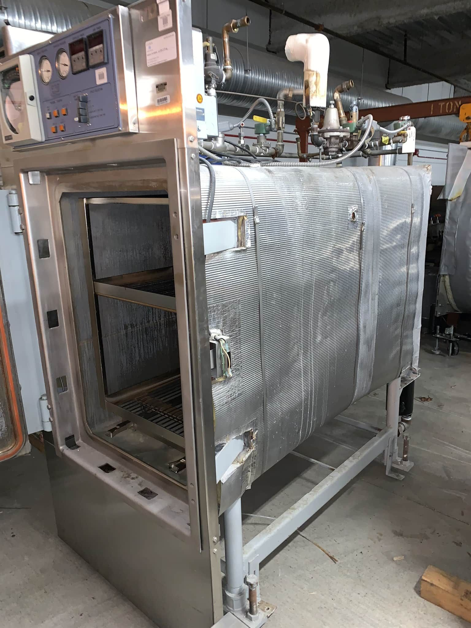 ARS autoclave with carriage