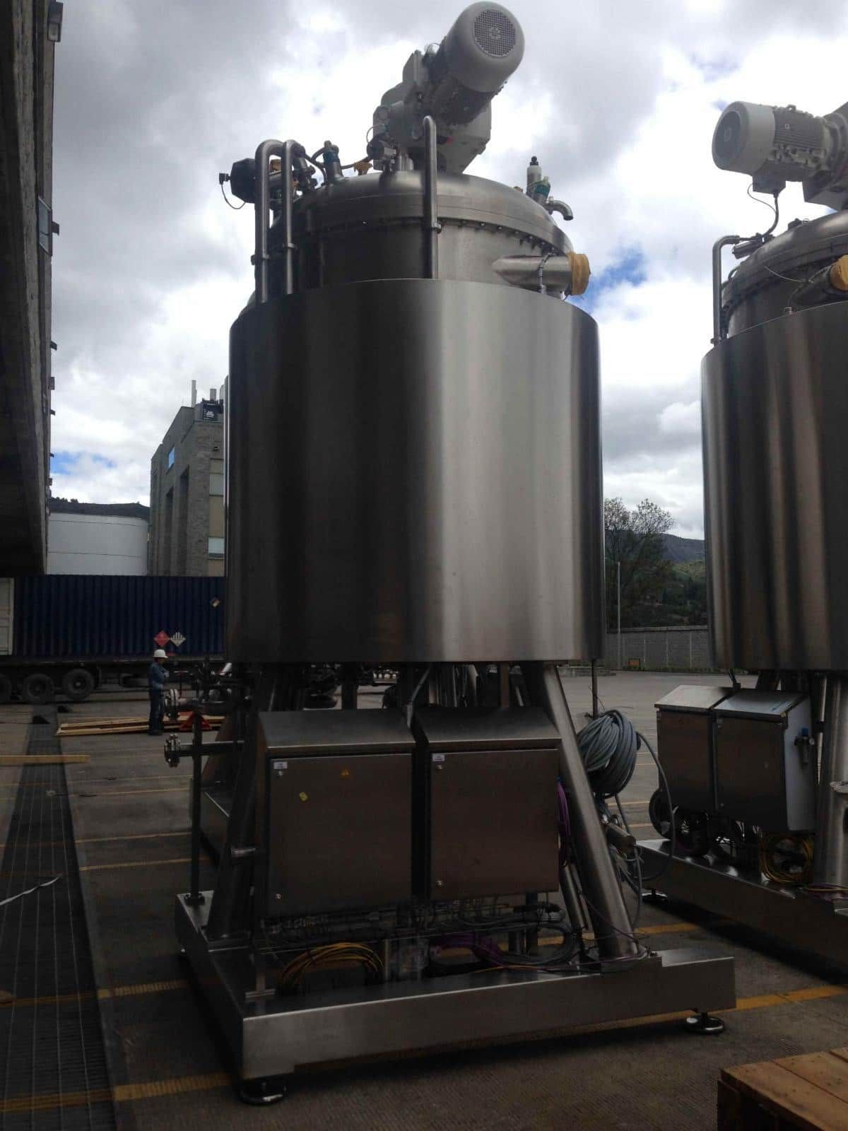 Ekato 10000 Liter mixing tank